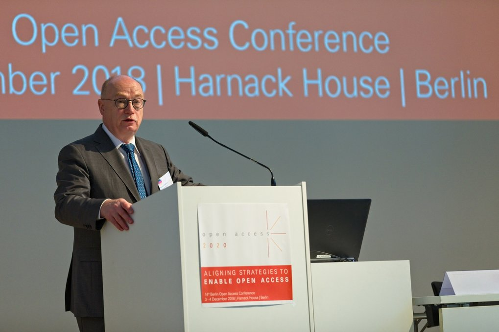 In his welcoming address, Max Planck Society President Martin Stratmann captured the spirit of the meeting when he stated: 'Open Access is the responsibility of all of us'.