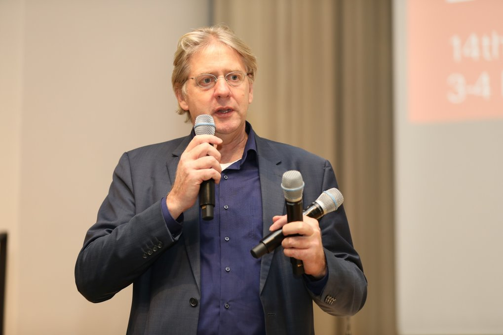 G. Meijer moderating the discussions
